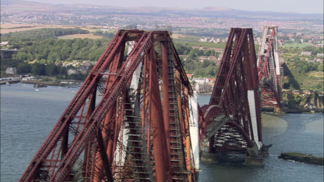 forth bridge - cantilever bridge stock videos & royalty-free footage