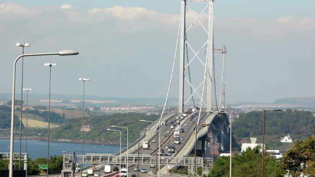 フォース道路橋と、スコットランドのエジンバラ-終了