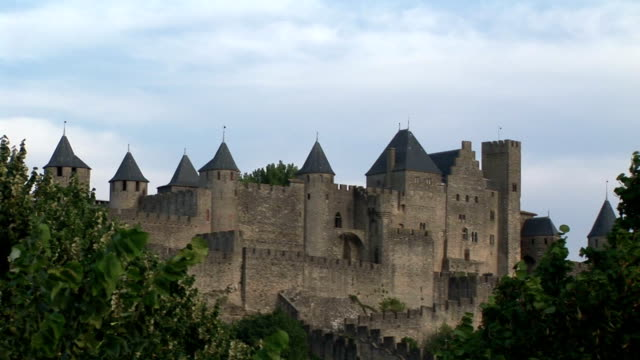 ws, fortified city walls, carcasonne, languedoc, france - carcassonne stock videos and b-roll footage