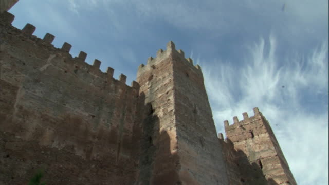 la, ms, t/l, fortified walls of medieval castle, banos de la encina, cordoba, spain - fortress stock videos and b-roll footage