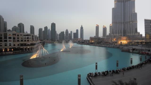 WS HA Fountain and skyline with Burj Khalifa / Dubai, United Arab Emirates