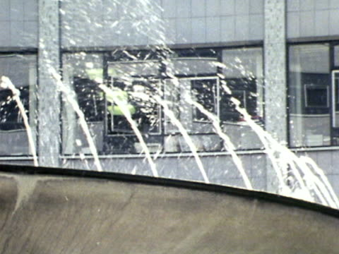 stockvideo's en b-roll-footage met fountain decorates the central courtyard of bbc television centre. - bbc