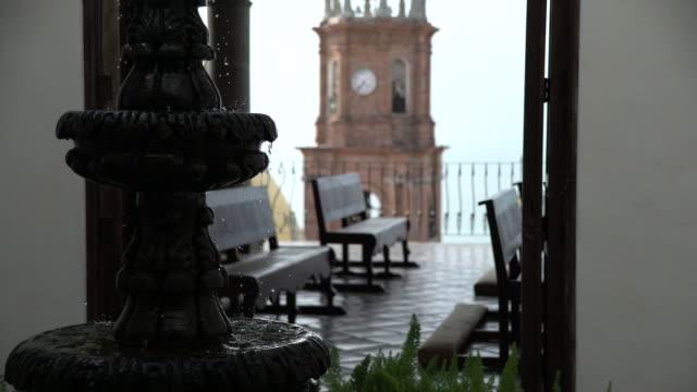 vidéos et rushes de fountain drop - christianisme