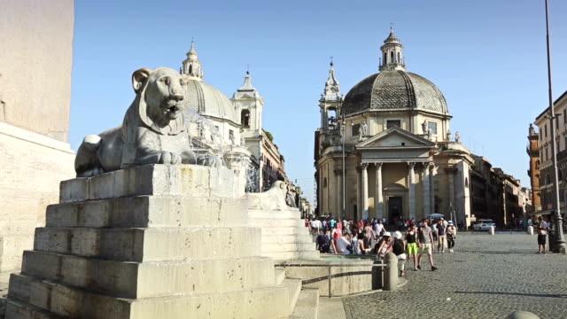 fountain in piazza del popolo in rome - besichtigung stock-videos und b-roll-filmmaterial