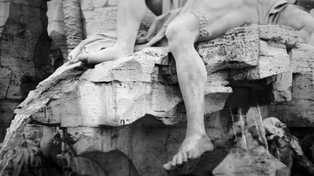 Fontana dei Quattro Fiumi di Piazza Navona Statua
