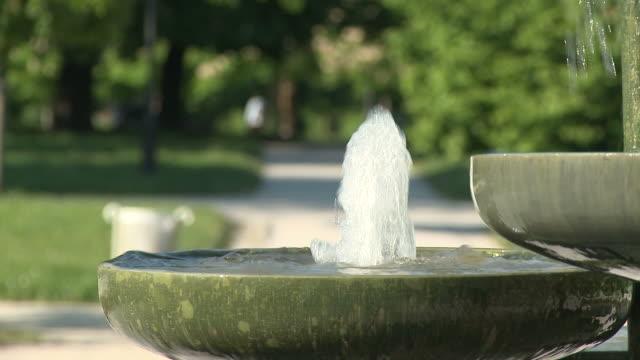 vídeos y material grabado en eventos de stock de hd: fuente fountain - fuente corriente de agua