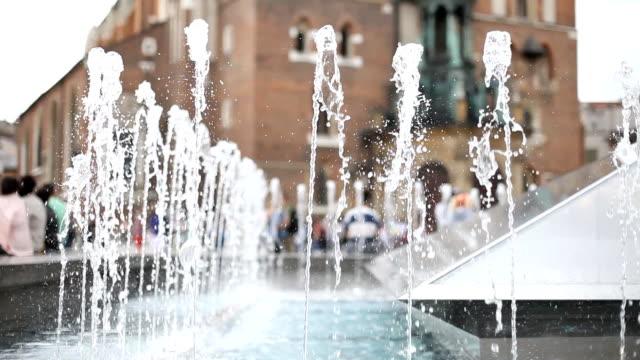 stockvideo's en b-roll-footage met fountain - plaatselijk monument