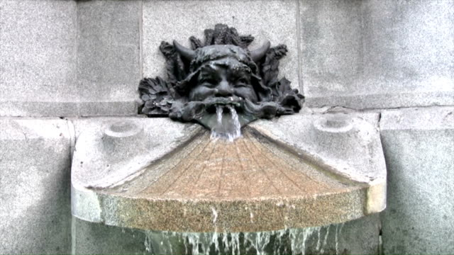 fountain - statue stock-videos und b-roll-filmmaterial