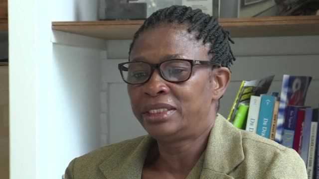 four nigerian women are taking legal action in the dutch courts against anglo dutch oil giant shell accusing it of complicity in the 1990s executions... - olanda settentrionale video stock e b–roll