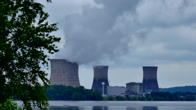 Four Nuke Power Cooling Towers Darker Sky Timelapse 4k