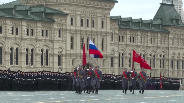 four thousand people participate in a historical reenactment on moscow's red square to mark the 78th anniversary of the historic 1941 parade when red... - moscow russia video stock e b–roll