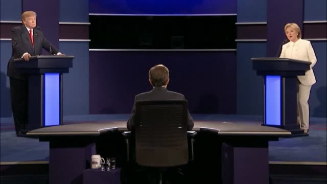 fox news sunday anchor chris wallace moderates as democratic party presidential candidate hillary clinton and republican party presidential candidate... - debatte stock-videos und b-roll-filmmaterial