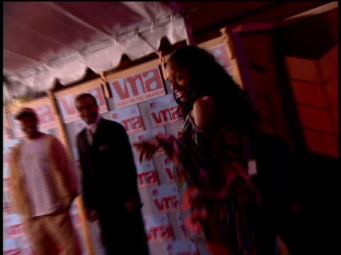 foxy brown arriving at the red carpet of the 2002 mtv movie awards. - 2002 stock videos & royalty-free footage