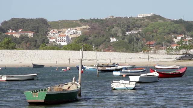 Foz do Arelho river boat beach