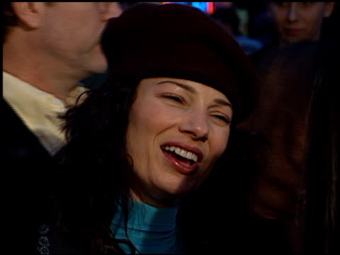 fran drescher at the 'titanic' premiere at grauman's chinese theatre in hollywood california on december 14 1997 - premiere stock-videos und b-roll-filmmaterial