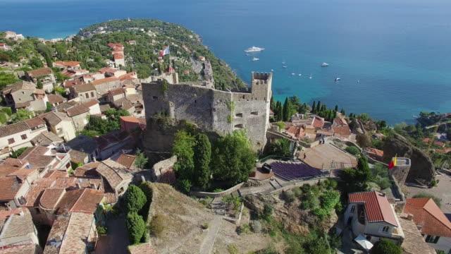 stockvideo's en b-roll-footage met france, alpes maritimes, aerial view of the village roquebrune cap martin - kasteel