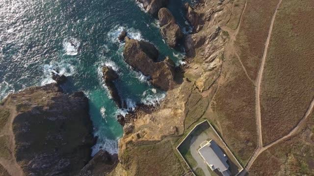 vidéos et rushes de france from the sky : pointe du van - bretagne - transport aérien