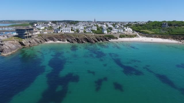 """vidéos et rushes de france from the sky : summer in brittany in """"le conquet"""" harbour - bretagne"""