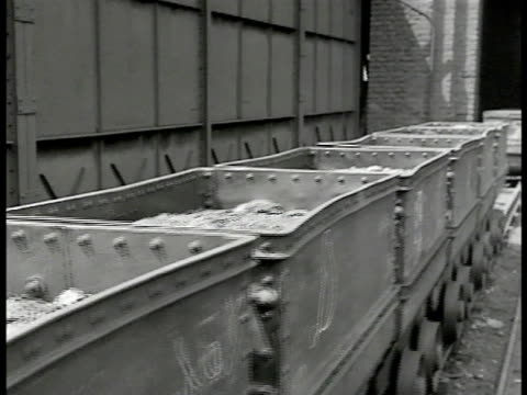 stockvideo's en b-roll-footage met map france germany coal mining cart icons zoom into belgium - 1946