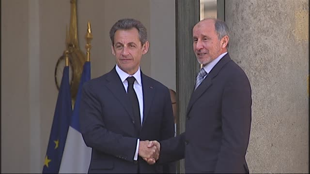 france joined britain on wednesday in sending military advisers to assist libya's rebel shadow government in its benghazi stronghold paris paris... - libyan civil war stock videos & royalty-free footage