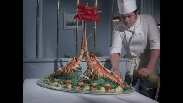 vídeos de stock, filmes e b-roll de 1968 - ss france ocean liner - dining - jantar sofisticado