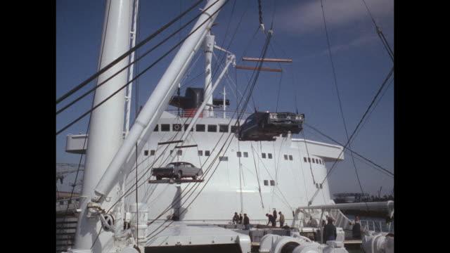 1968 - SS France ocean liner - offloading cars in New York