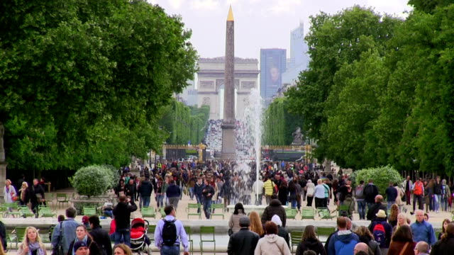 france, paris, champs elysees - avenue des champs elysees stock videos & royalty-free footage