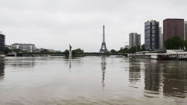 france - paris : flood near to the effeil tower - river seine stock videos & royalty-free footage