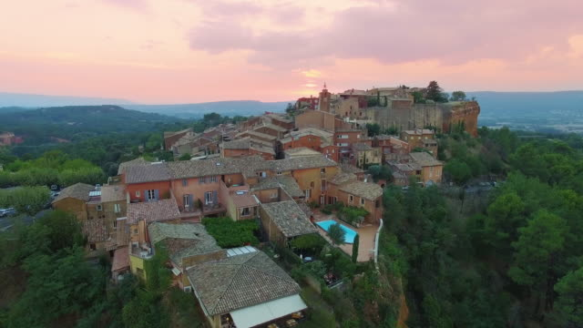 france, vaucluse, aerial view of roussillon, parc naturel regional du luberon - luberon stock-videos und b-roll-filmmaterial