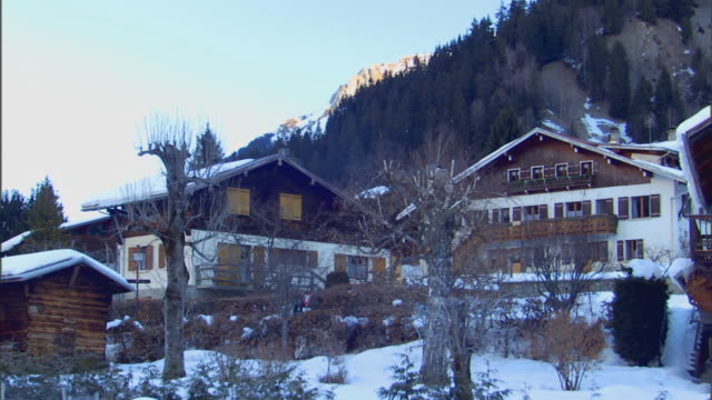 FranceLodges, cabins in the winter