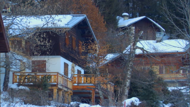francelodges, cabins in the winter - chalet stock videos & royalty-free footage