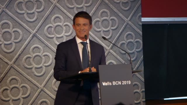 vídeos de stock, filmes e b-roll de france's combative former prime minister manuel valls announces that he will run for mayor of barcelona in what will be an unprecedented bid for... - ex
