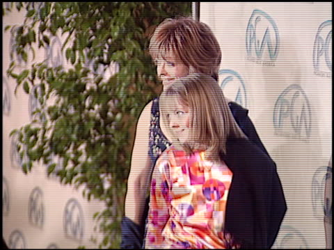 vídeos de stock, filmes e b-roll de frances fisher at the 2004 producers guild of america awards at the century plaza hotel in century city california on january 17 2004 - century plaza