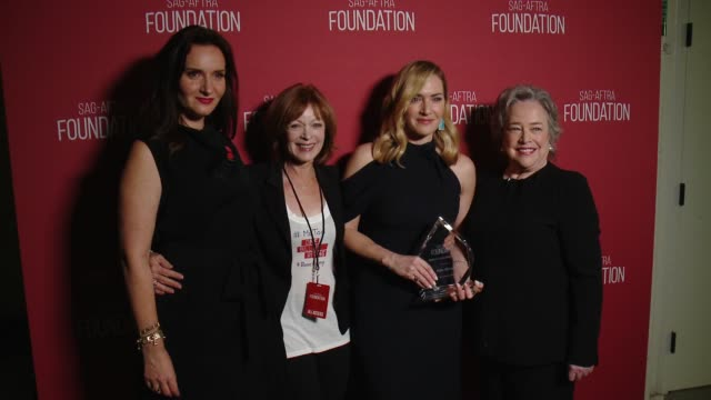 frances fisher kate winslet kathy bates at sagaftra foundation patron of the arts awards in los angeles ca - kate winslet stock-videos und b-roll-filmmaterial