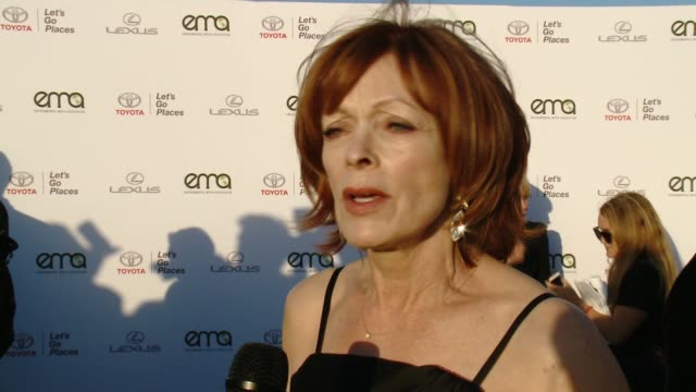 interview frances fisher on why now more than ever it's important to support environment causes and on what message she has for the victims affected... - バーカーハンガー点の映像素材/bロール