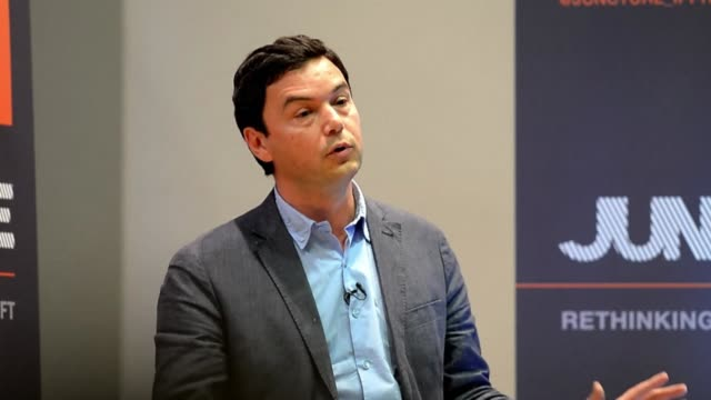 frances influential economist thomas piketty refuses to accept the countrys highest award the legion dhonneur to criticise the socialist government... - heder bildbanksvideor och videomaterial från bakom kulisserna
