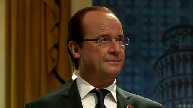 francois hollande waxwork unveiled at madame tussauds england london madame tussauds london ext 'madame tussaud's' sign / people queuing outside... - madame tussauds stock videos & royalty-free footage