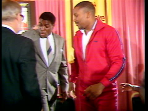 frank bruno and tim witherspoon press conference before big fight; england: essex: int heavyweight boxer frank bruno at ladbrokes hotel to meet his... - biography stock videos & royalty-free footage