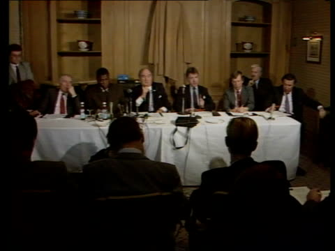 frank bruno prepares to fight mike tyson for world heavyweight title england london mayfair grosvenor hotel frank bruno terry lawless and jarvis... - heavyweight stock videos and b-roll footage