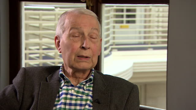 frank field saying he resigned the labour party whip as a wake up call to the labour party over antisemitism allegations but that he also expects... - parlamentsmitglied stock-videos und b-roll-filmmaterial