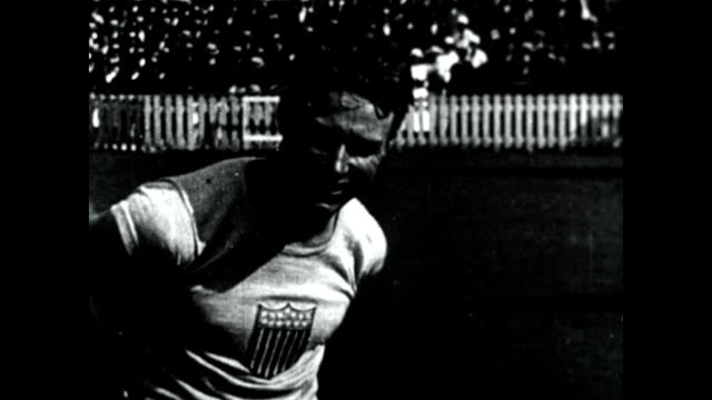 frank wykoff at the 1928 1932 and 1936 olympic games running the relay - 一等賞点の映像素材/bロール