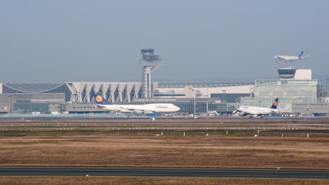 Frankfurt airport with airplane landings, Frankfurt am Main, Hesse, Germany
