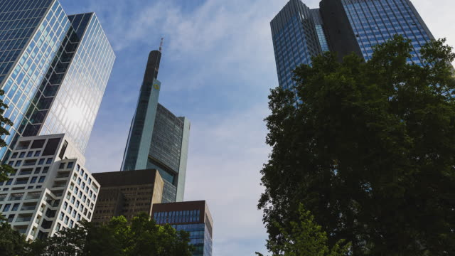 T/L Frankfurt am Main - Skyline - office buildings