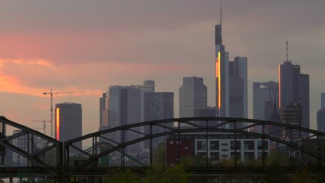 frankfurt, main river and skyline, frankfurt am main, hesse, germany, europe - campo totale video stock e b–roll