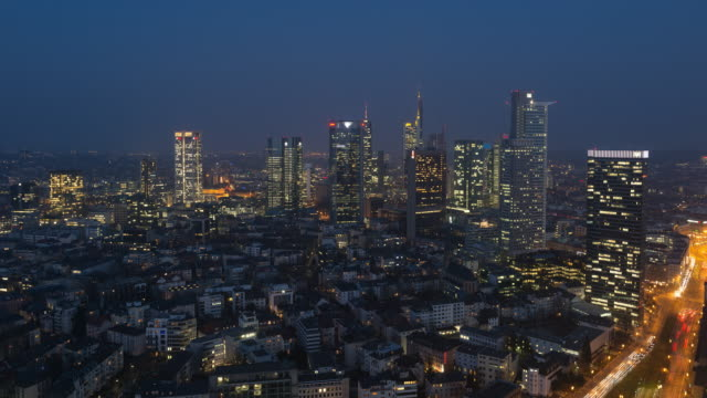 Frankfurt Westend time lapse at night