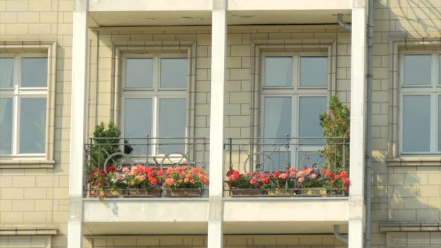 frankfurter tor,karl marx alle,soviet architecture,zo - balkon stock-videos und b-roll-filmmaterial