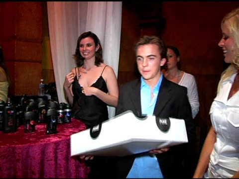 Frankie Muniz recieves an Axe gift at the Hollywood Life's Young Hollywood Awards and AfterParty Sponsored by Axe on May 1 2005