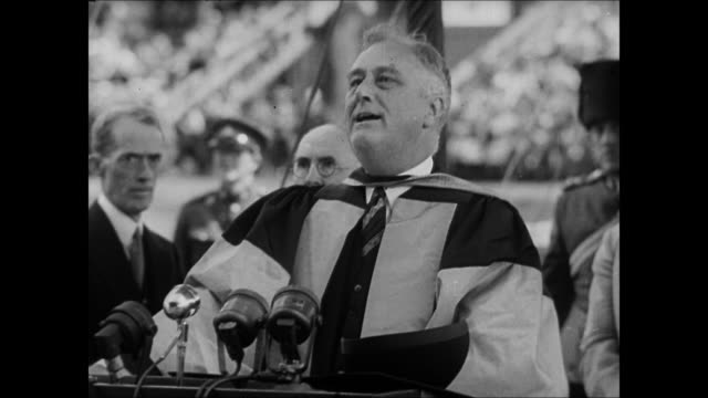 vídeos y material grabado en eventos de stock de ws franklin d roosevelt announcing declaration of war against japan in parliament  for pearl harbor audio  / washington,district of columbia,united states - franklin roosevelt