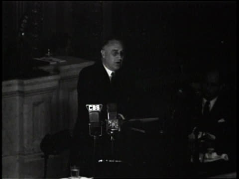 Franklin D Roosevelt gives a speech in the House Chambers