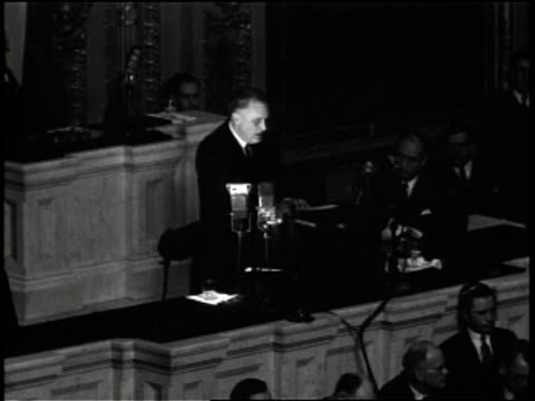 Franklin D Roosevelt gives speech in the House Chamber